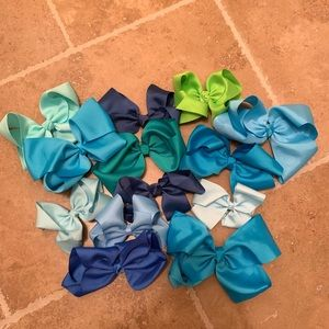 Accessories - 13 Blue and green girls hair bow